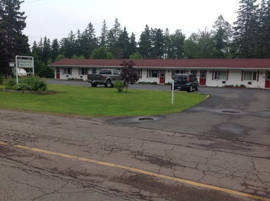 Murray Harbour, Canadá: Front of motel.