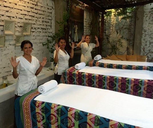 Hotel Boutique Casa Rosalia: Masajes con amigos en la tropa Tomarrazon