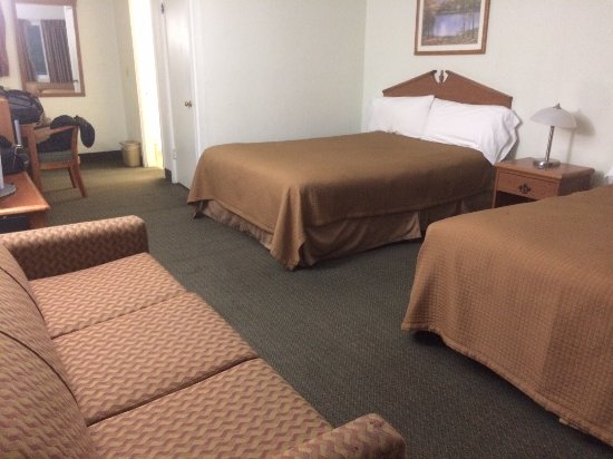 Shady Oaks Motel: Very spacious.