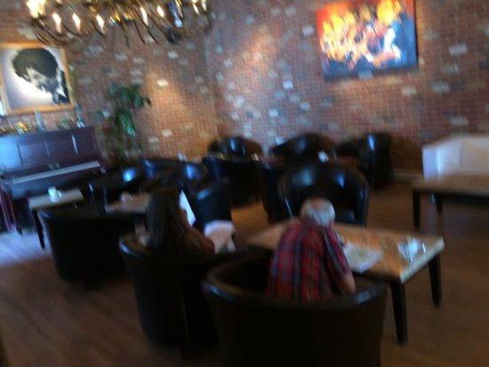 Le Moussonneur Cafe & The Lounge : photo4.jpg