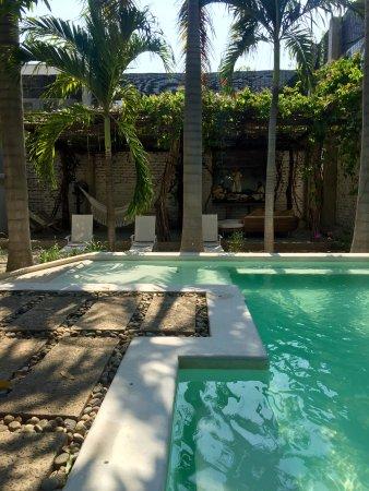 Hotel Boutique Casa Rosalia: Refrescante piscina