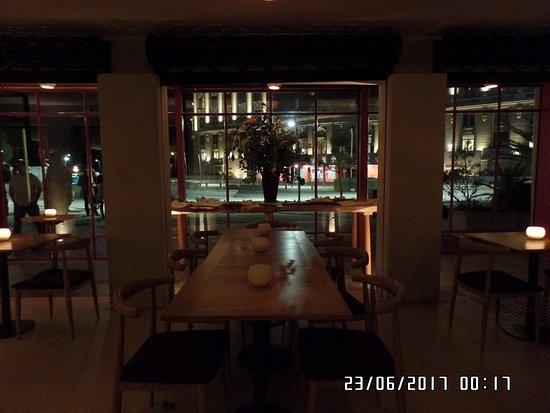 Manzanar: Ótimo restaurante! Bem animado e boa recepção.
