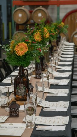 Elmsford, Nowy Jork: Scene from a beer dinner in the brewery