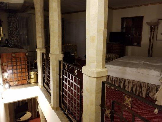 Hoffmeister & Spa: 2nd floor of Ying Yang suite