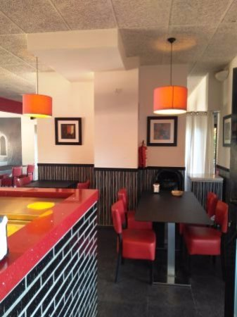 Premia de Dalt, Espanha: Interior restaurante