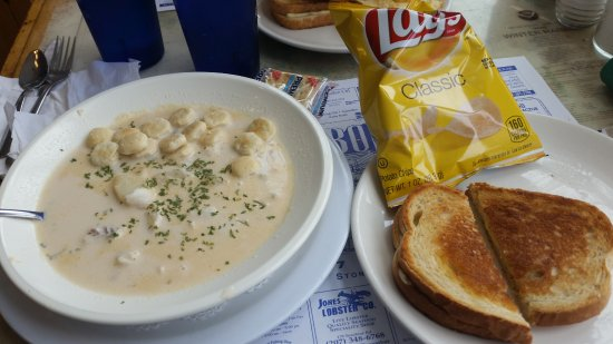 Stonington, ME: Haddock chowder and grilled cheese