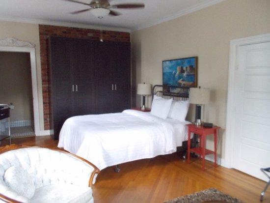 Seaway Manor Bed And Breakfast
