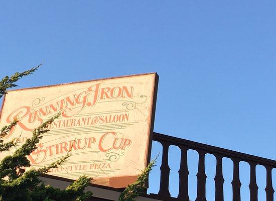 Carmel Valley, CA: Enseigne exterieure du Running Iron