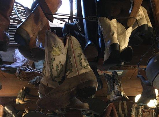 Carmel Valley, CA: Bottes en déco au plafond