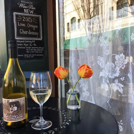 McMinnville, OR: R. Stuart & Co Wine Bar