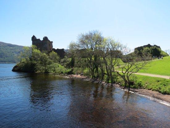 Urquhart Castle: side