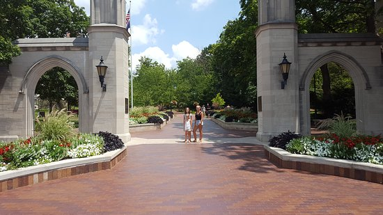 Bloomington, IN: Indiana University