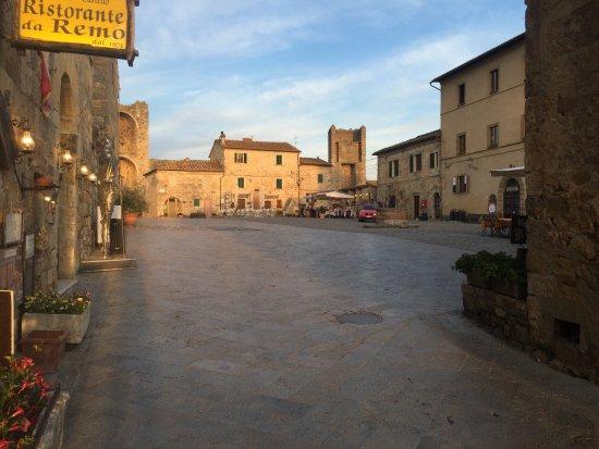 Monteriggioni, Ιταλία: vistas