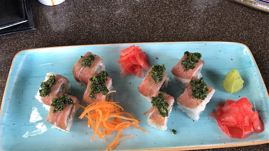 Noah Restaurant & Lounge: photo0.jpg