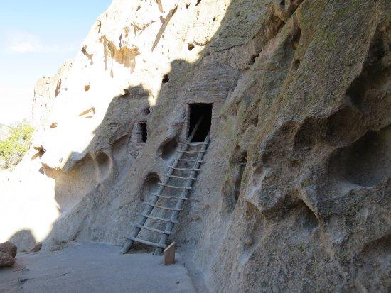 Los Álamos, Nuevo México: Cave dwelling