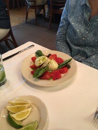 Il Fornaio: Caprese salad