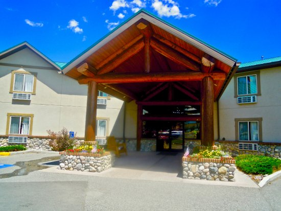 Cody Legacy Inn / jacuzzi, pool, gym, fireplace - clean GREAT location