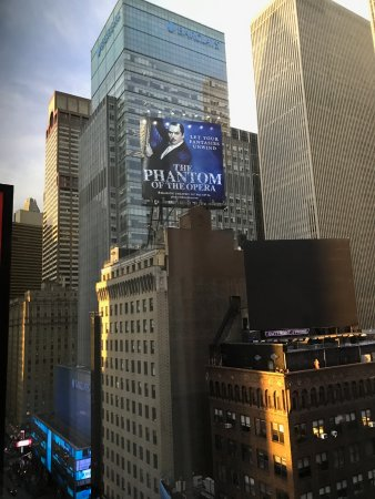 Renaissance New York Times Square Hotel: 17th Floor Room view