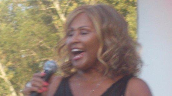 Bridgewater, Nueva Jersey: Darlene Love at Duke Island Park