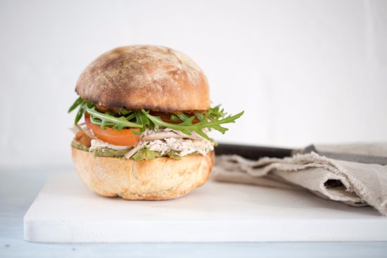 Elwood, Australia: The Vixen, Roast Chicken Roll
