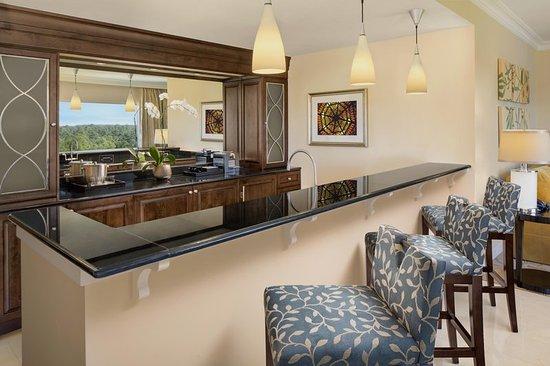 Waldorf Astoria Orlando: Waldorf Suite Dining Area