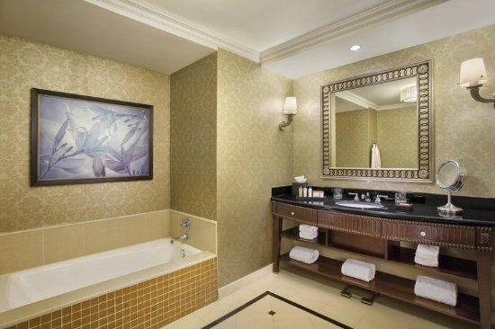 Waldorf Astoria Orlando: Waldorf Suite Master Bath