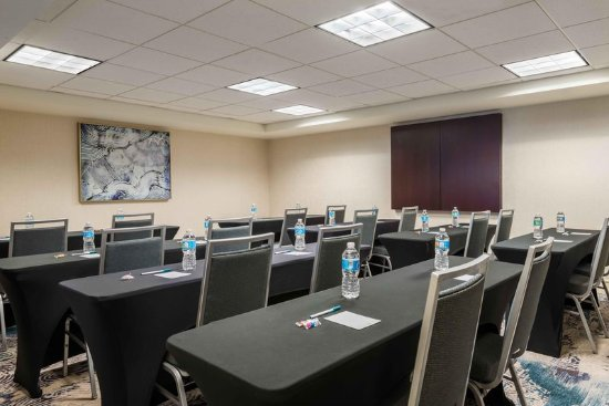 Homewood Suites Tampa Airport - Westshore: Westshore Meeting Room