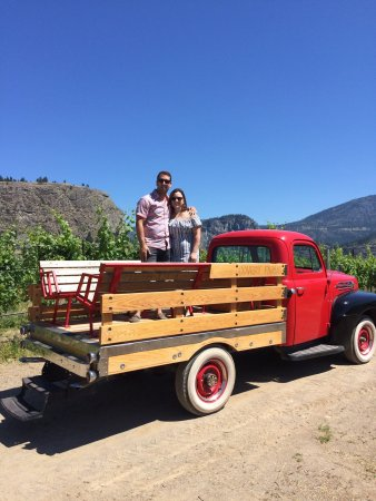 Oliver, Canada: Covert Farms Family Estate