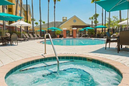 Homewood Suites by Hilton Orlando - UCF Area: Whirlpool