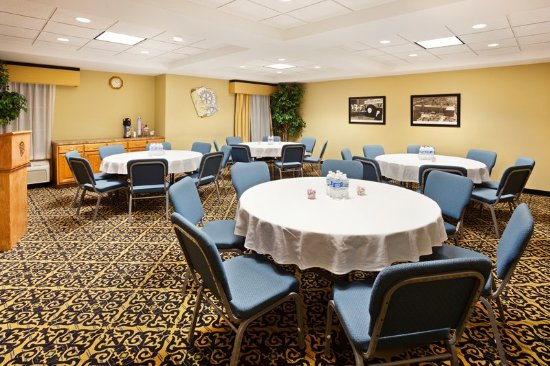 Holiday Inn Express, Gastonia NC Meeting Room  Baquet Style