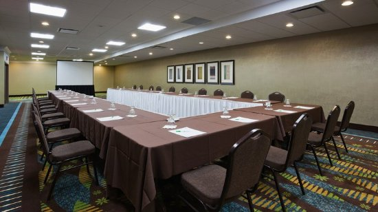 Pointe Claire, Canada: Bordeaux meeting room with private Foyer