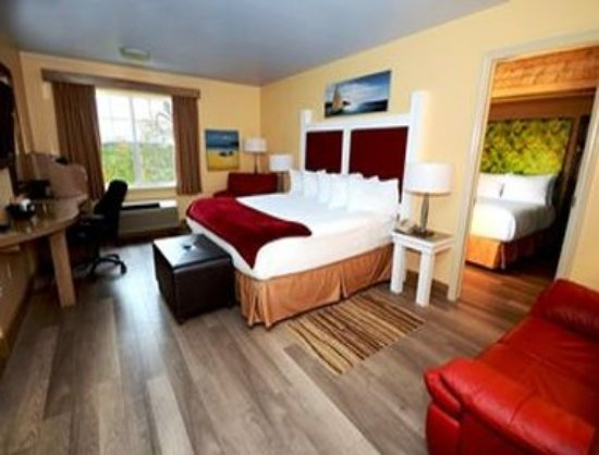 Cornwall, Canada: 2 Bedroom Suite With 1 King and 2 Double Beds