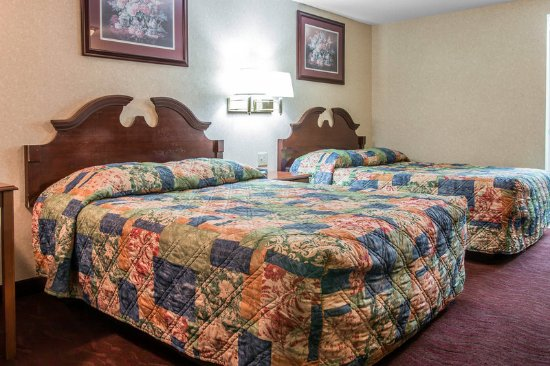 Madison Heights, MI: Double Room