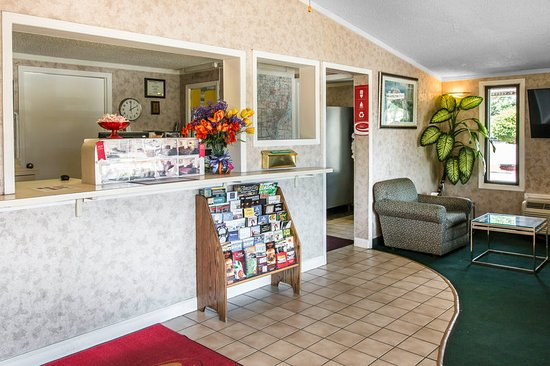 Madison Heights, Μίσιγκαν: Front Desk