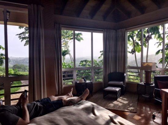 Santa Elena, Belice: View from the bed in Villa 4