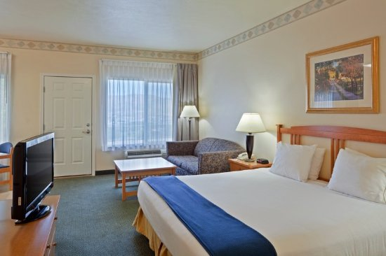 Holiday Inn Express Lewiston: King Bed Guest Room