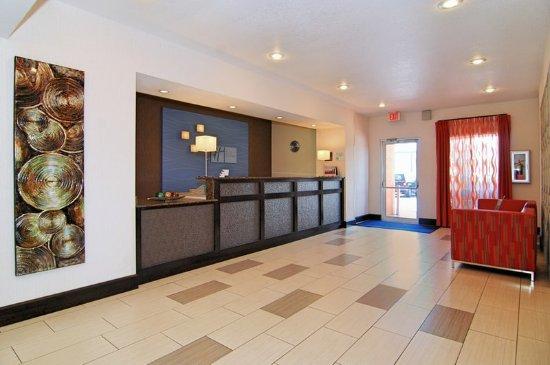 Holiday Inn Express Destin E - Commons Mall Area: Front Desk