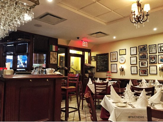 Monte's Trattoria Dining Room / Bar