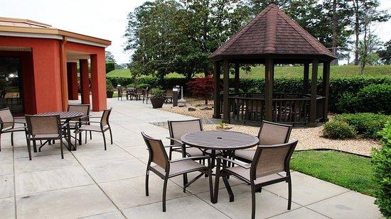 Tifton, Джорджия: Courtyard