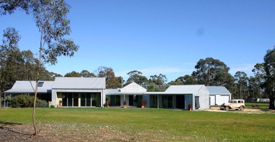 Dunolly, Australien: General view of the property Alvah - Gallery on right hand end