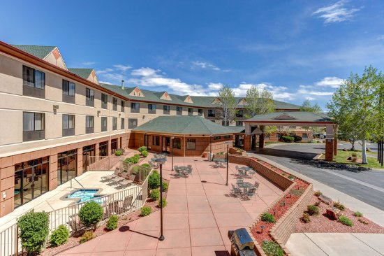 Montrose, Colorado: Holiday Inn Express & Suites, Montrose Colorado Exterior Patio