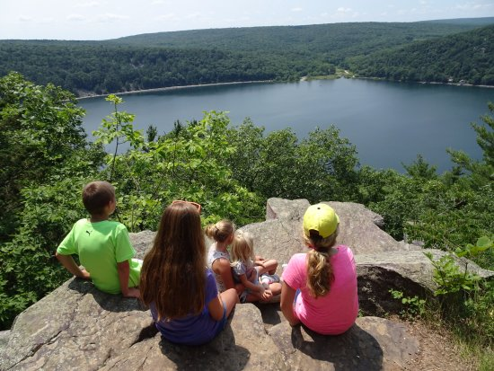 Balanced Rock Trail: 3-13 year old great nieces & nephews, first visit to Devil's Lake.