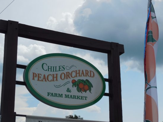 Crozet, VA: Chiles Peach Orchard & Farm Market