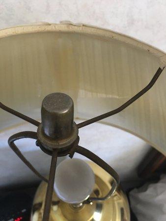 บีเวอร์ตัน, ออริกอน: Top view of lampshade.