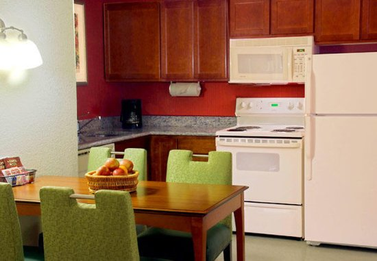Avon, CT: Two-Bedroom Suite - Kitchen