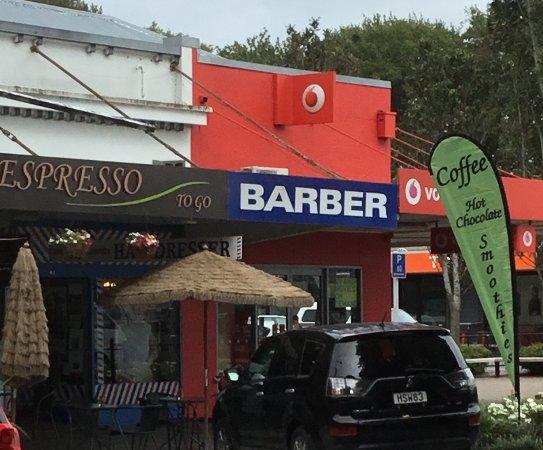 Matamata, Nya Zeeland: Next To barber and Vodafone