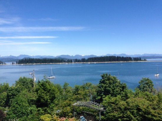 "Quadra Island, Canada : View from the ""Sunrise Suite"""