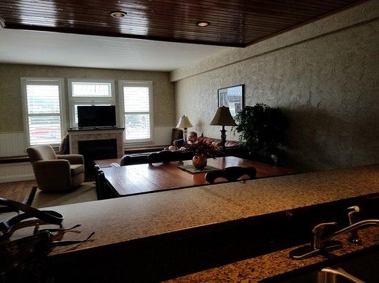 Cherokee Lodge Condos: 20170714_162854_large.jpg