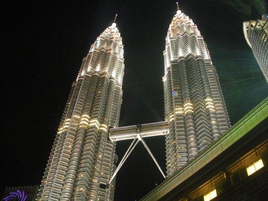 Petronas Twin Towers: 9_large.jpg