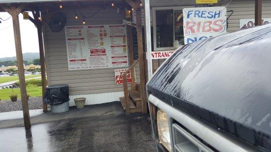Dayton, TN: MoMo's Bar BQ